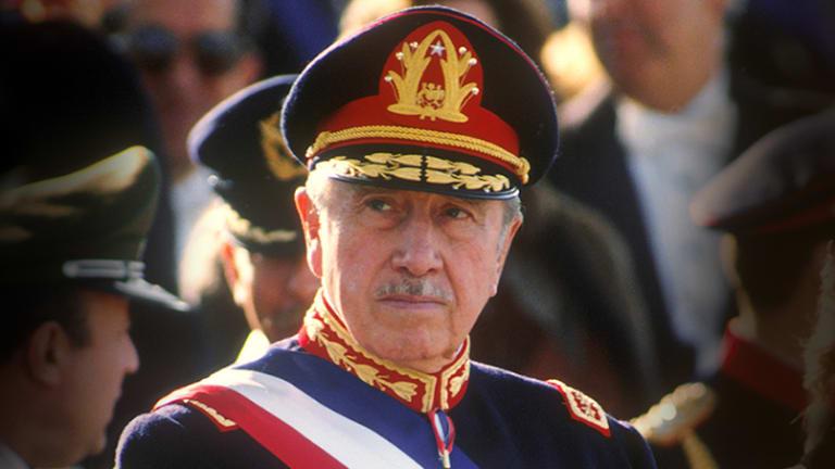 La giustizia cilena ha ratificato la sentenza di confisca dei beni di Pinochet per 5,1 milioni di dollari oggi nelle mani dei loro parenti e vicini.